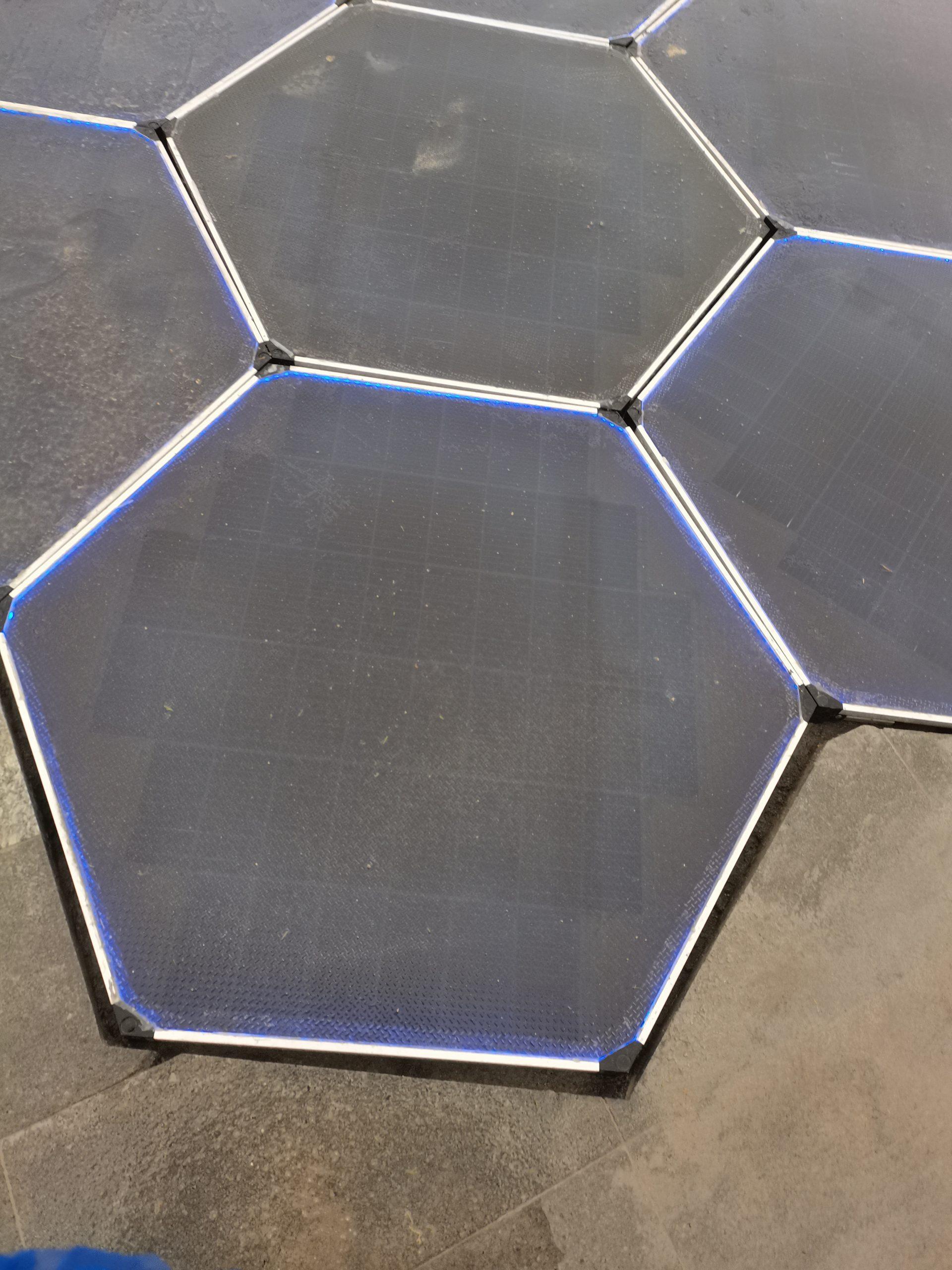 六边形发电地砖